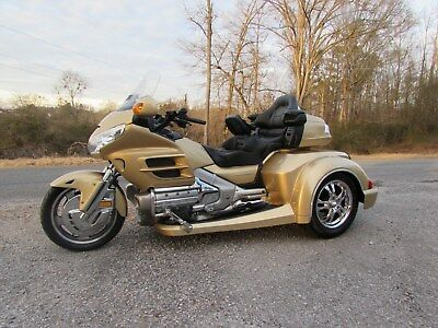 2006 Honda Gold Wing  2006 HONDA GOLDWING GL1800  ROADSMITH HTS1800 TRIKE WITH RUNNING BOARDS