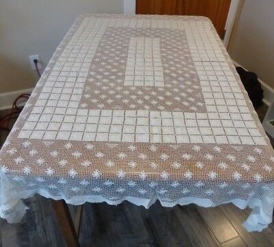 """Gorgeous Vintage Bobbin Lace Hand Done Tablecloth in Off White 54"""" x 72"""""""