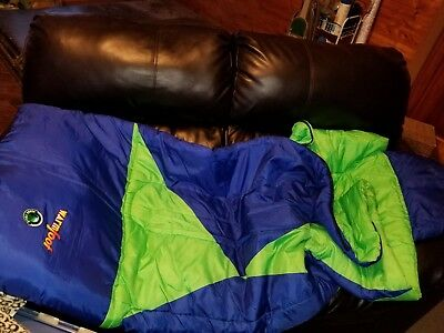 OZARK TRAIL WARM WEATHER SLEEPING BAG Blue Green attached Pillow 33x75 Adult