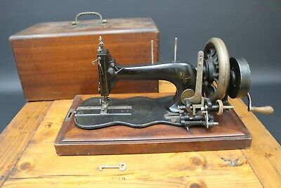 Frister Rossmann Fiddle Base Sewing Machine Hand Crank 1870s Working + Case 12K