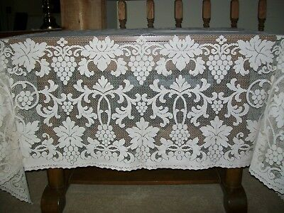 VINTAGE LACE TABLECLOTH  with GRAPES