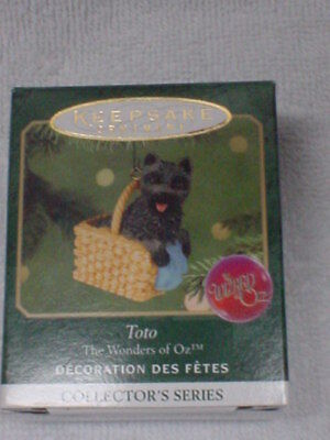 Hallmark Toto In Basket #3 Series 2001 The Wizard Of Oz Christmas Ornaments