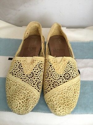 6b4d105ade1 TOMS CLASSIC MORROCO Crochet Slip On YELLOW Lace Loafers Flats Shoes ...