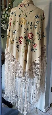 * Vintage Silk Floral Piano Shawl * Cream With Embroidery & Long Fringe *