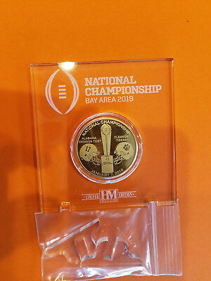 2019 College Football NATIONAL CHAMPIONSHIP TEAM COIN with display Stand.-Fr. sh