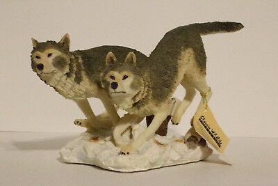 Wolves Running In Snow, Wolf Figurine Statue, Classic Wildlife Collection, 31300