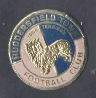 HUDDERSFIELD TOWN UNUSED 1970's ESSO FOOTBALL FOIL CLUB BADGE FREE DELIVERY