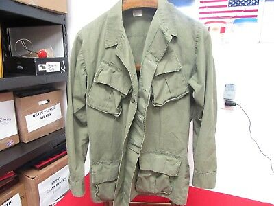 Vietnam US Army jungle fatique tunic size medium long 1968 contract.