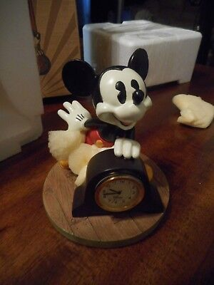 """New In Box Vintage Disney Mickey Mouse Figurine Mantel Clock 4"""" Tall"""