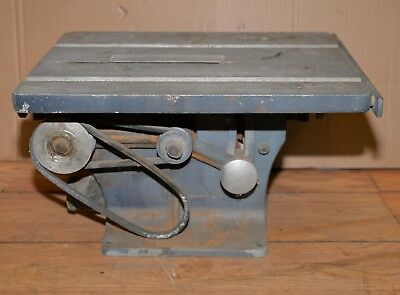 Vintage Delta Shop master bench top cast iron table saw collectible wood tool