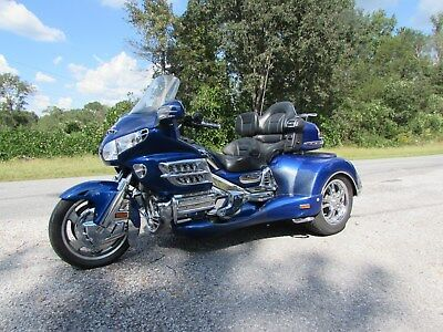 2001 Honda Gold Wing  2001 HONDA GOLDWING GL1800  ROADSMITH HT 1800 TRIKE