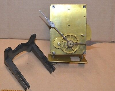 Unsigned English American Time Only Weight Driven Clock Movement Cast Iron Mount