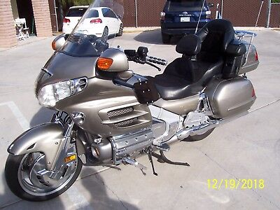 2002 Honda Gold Wing  2002 HONDA GOLD WING GL1800