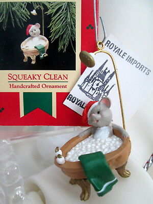 Hallmark Ornament Squeaky Clean Mouse In Walnut Tub 1988 Retired