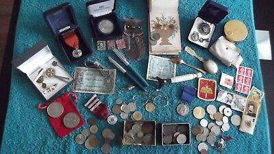 CLEAR OUT JOB LOT OF VINTAGE COLLECTABLES/COINS/BITS N PIECES    99p 25 X