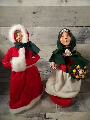 2 Byers Choice Christmas Carolers singing Woman red SIgned CLEAN 1990 06