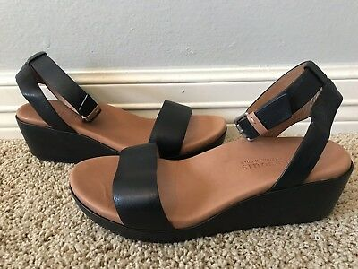 76d8a15089f New GENTLE SOULS by KENNETH COLE Morrie Black Leather Sandals Sz 9  209