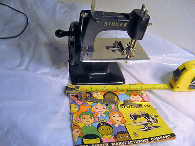 1955 SINGER 20 TOY CHILD SMALL SEWING MACHINE GREAT BRITAIN with ORIGINAL MANUAL