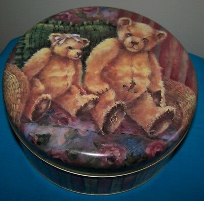 Lovely Teddy Bear Collectable Biscuit Tin