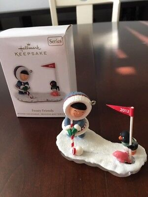 Hallmark Frosty Friends Ornament - 2012 - Penquin Golf
