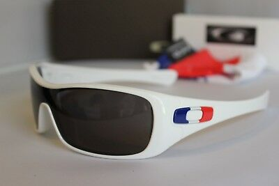New Oakley France Country Flag Limited Edition Antix Polished White Sunglasses