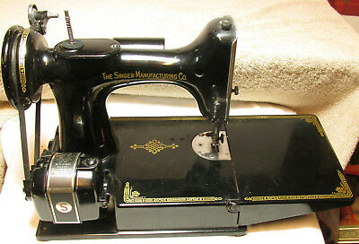 Awesome Vintage Singer 221 Sewing Machine And Case !!!