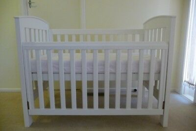 White Boori Country Collection Classic Cot