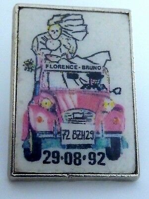 Pin's Pin Badge Car Auto Citroen 2 Cv Rouge Mariage