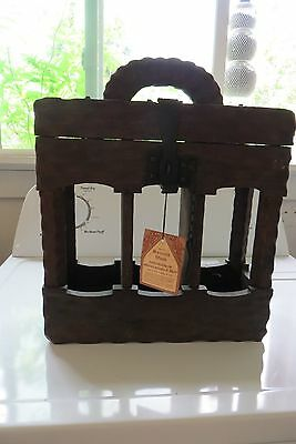 Spanish wood handcrafted by mountain artisans of Spain,wood wine bottle carrier
