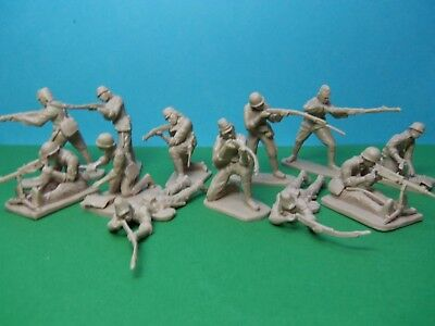 CTS 1/32 scale WWII Japanese Infantry x12 (tan)