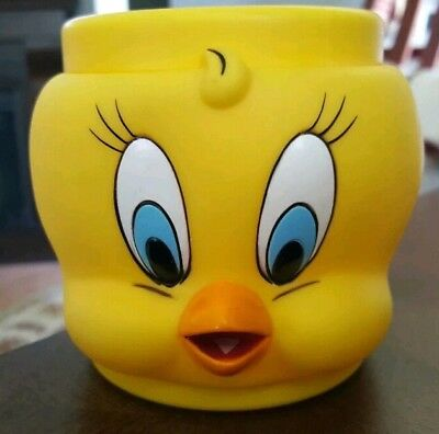 1992 Tweety Bird & Tasmanian Devil Looney Tunes Plastic Mugs Coffee Cups Bundle