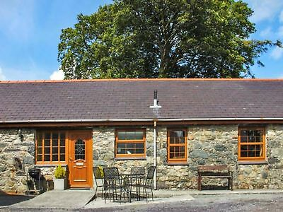 4 Nights Stay in a 2 Bedroom Cottage 1st April 2019 in Bangor - North Wales