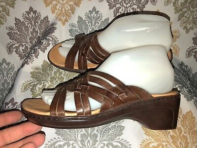 913e4f341f1c4 CLARKS Women s Brown Leather Woven Wedge Slide Sandals Size 8 M ~ 79335
