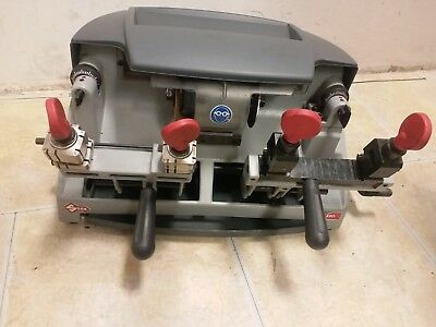 Silca Dua keycutting machine  Excellant Condition