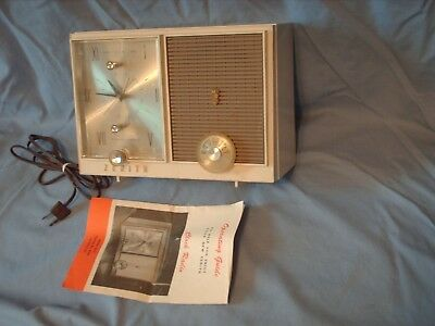Vintage Zenith Model G515 Clock Radio Retro Mid Century works has manual