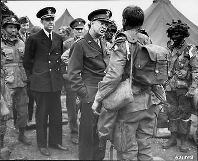 WWII Photo Eisenhower 101 ABN  Troops D-Day  WW2 World War Two / 1005