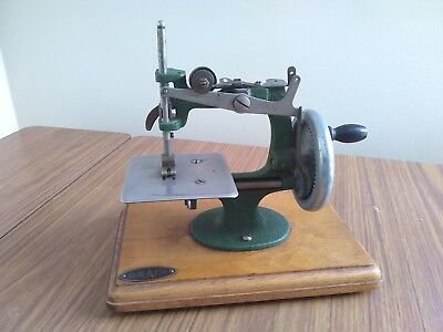 Vintage 1950's Grain Miniature Sewing machine