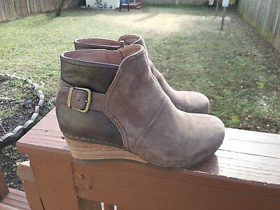 e5d747cd19f3 Womens Dansko Shirley Suede leather Taupe Wedge Ankle Boots Sz 40 9.5-10