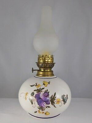 Lampe A Petrole  En Ceramique Peinte D'un Decor Floral Collection Deco Retro