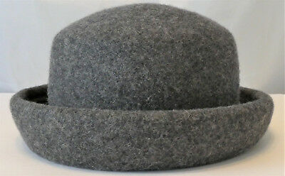 a7518cecd13 STEFANEL WOOL BERET Cap One Size Black Made in Italy -  11.81