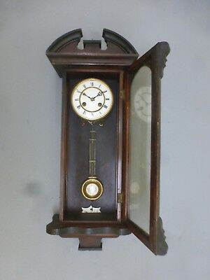 Antique Vintage Wooden Clock In Great Condition 18/19th century collectible.