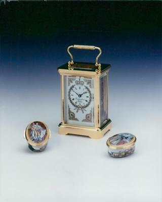 buckingham palace Merchandise 1995 carriage clock and enamel pill boxes. - Vinta