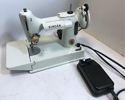 White Singer Featherweight Sewing Machine 221K  With Case