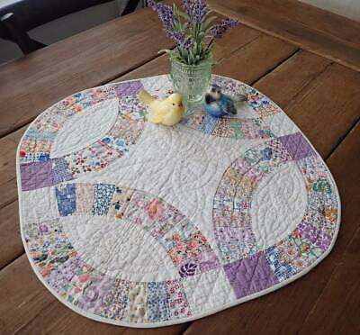 Gorgeous Quilting! Vintage Wedding Ring Table Doll QUILT 20x20 Romantic Prints
