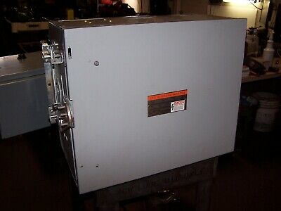 New Ite 400 Amp Xl-U Fusible Bus Plug Switch 600 Vac 3 Phase 3 Wire Uv365
