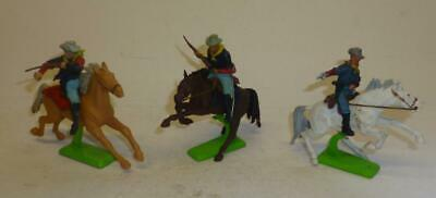 THREE BRITAINS VINTAGE PLASTIC DEETAIL MOUNTED 7th CAVALRY TROOPERS 1970'S