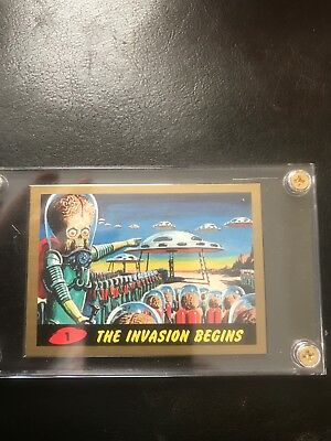 SUPER RARE 2012 TOPPS MARS ATTACKS HERITAGE CARD # 1 GOLD CARD 1 of 50