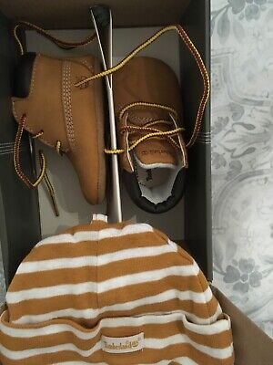 baby timberland boots and hat bnib