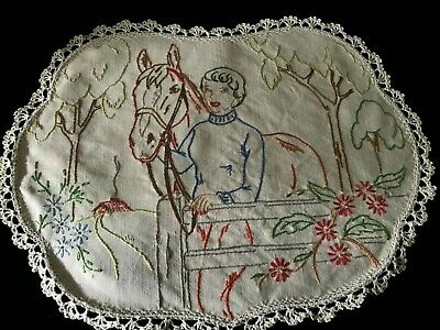 Vintage Hand Embroidered Tray Cloth Or Centre Piece