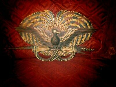 Australasin PAPUA NEW GUINEA Large Wooden Ceremonal Plaque with Shell Eye